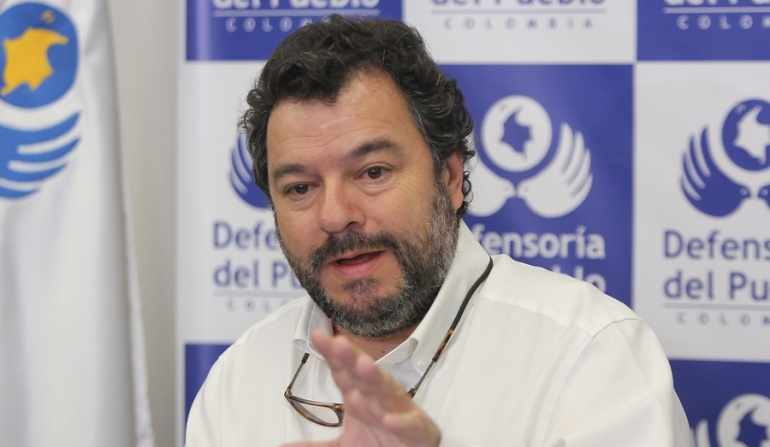 Crisis en la salud: Defensor: Lo que pasa en la salud en Colombia es una vagabundería criminal
