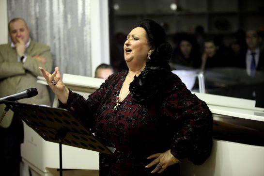 Cantante de opera montserrat caball muri el 6 de octubre for Beca de comedor valencia