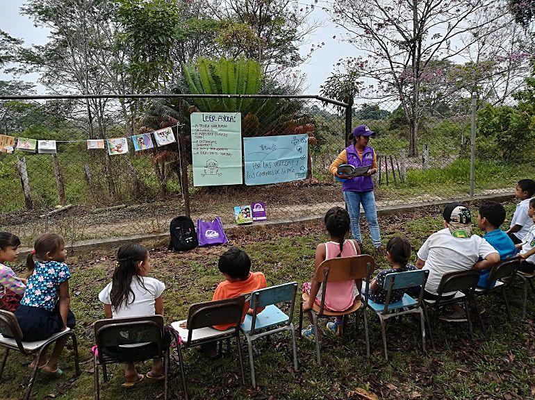 Bibliotecas rumbo a 220 veredas afectadas por la violencia en Colombia