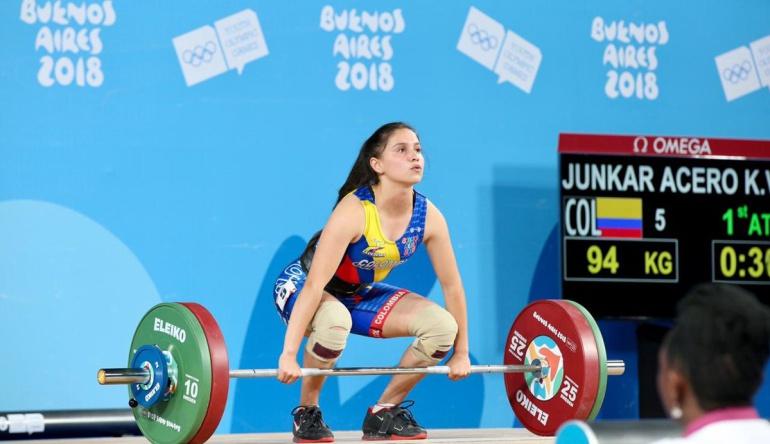 Kelly Junkar juegos olimpicos juventud argentina buenos aires: ¡Plata para Colombia! Kelly Junkar en el podio de Levantamiento de Pesas