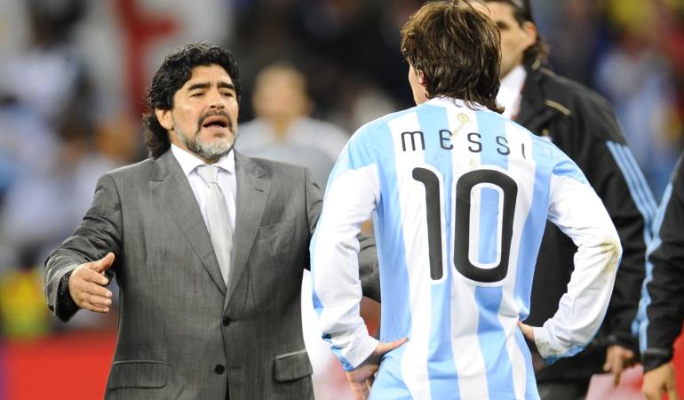 """Diego Maradona Messi Argentina: Diego Maradona: """"No lo endiosemos más... Messi en Argentina es uno más"""""""