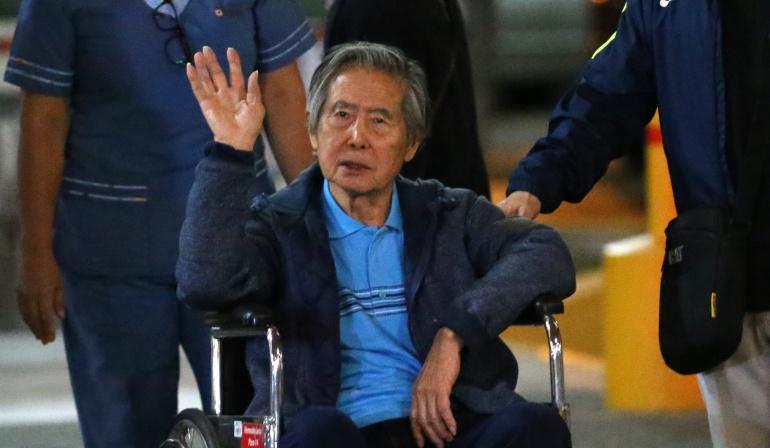"""Fujimori critica arresto de Keiko y pide a sus hijos que estén """"unidos"""""""