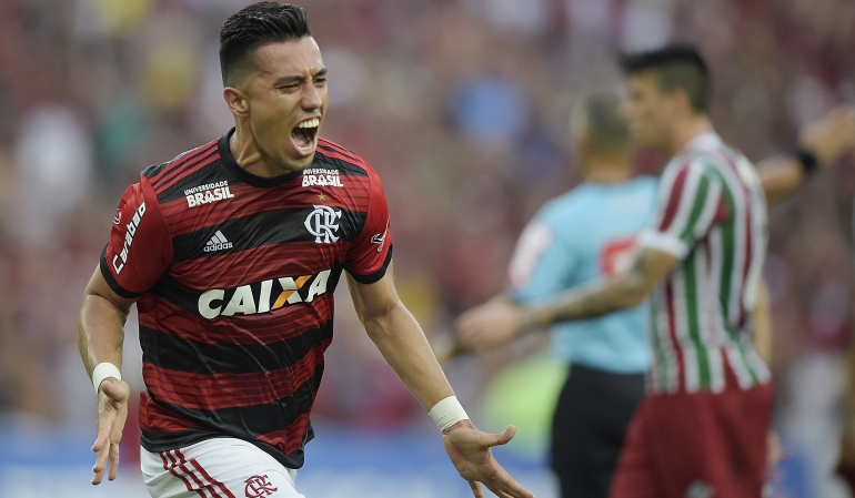 Fernando Uribe doblete: Fernando Uribe marcó doblete en la victoria de Flamengo ante Fluminense