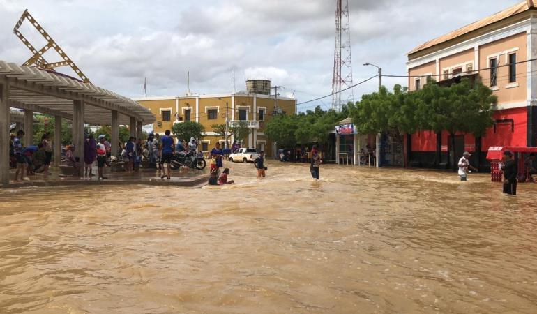 Ayuda para damnificados de Uribia: Duque destina ayuda para damnificados de Uribia