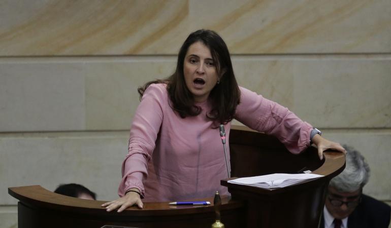Propuesta educación Paloma Valencia: Polémica propuesta de Paloma Valencia genera rechazo en las redes sociales