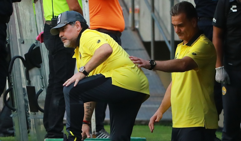 Maradona necesita prótesis para caminar