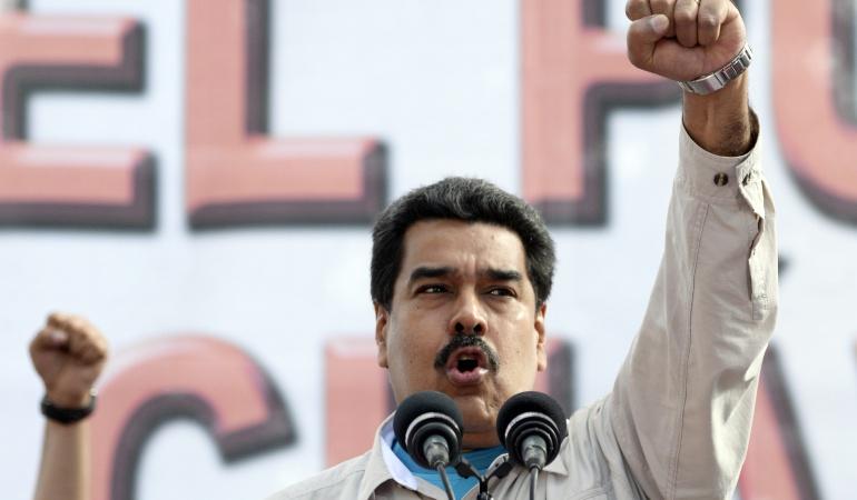 Folha: Colombia sugiere alianza con Bolsonaro para derribar a Maduro