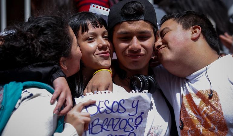 Universidades públicas: Universitarios en paro convocan a 'besatón'