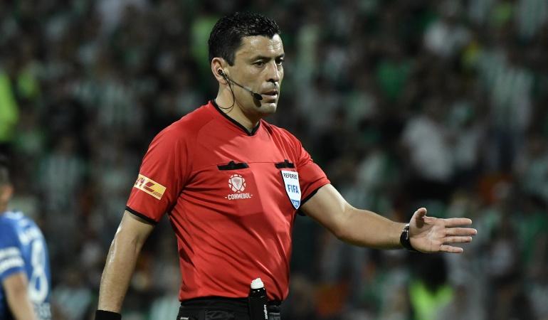 arbitro final libertadores boca juniors river plate partido ida: Árbitro chileno pitará la final de Boca Juniors y River Plate