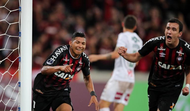 Atlético Paranaense 2-0 Fluminense: Paranaense golpeó primero ante Fluminense en la Sudamericana