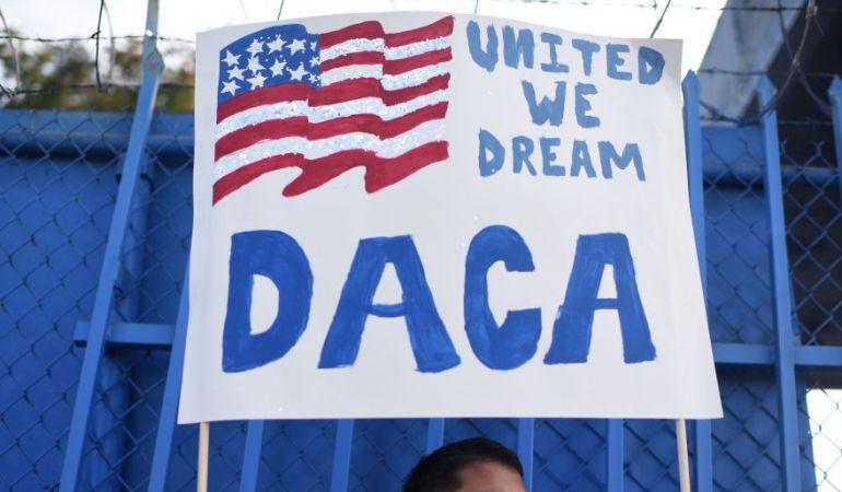 Migración: Tribunal de EE.UU. ordena a Trump mantener programa DACA para 'soñadores'