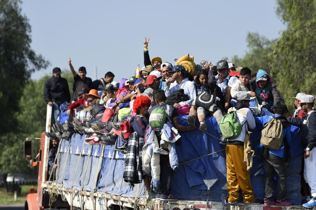 EE UU consiguió apoyo de AMLO para que migrantes esperen en México