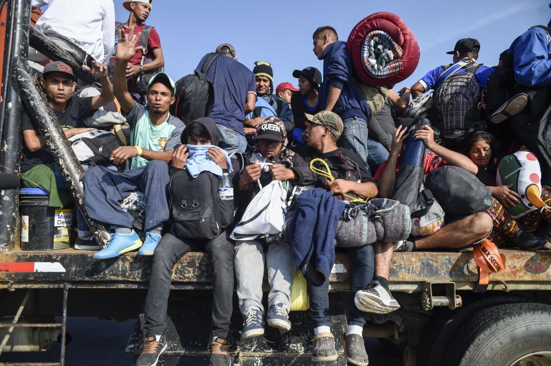 Disparan balas de goma a migrantes, impiden que crucen