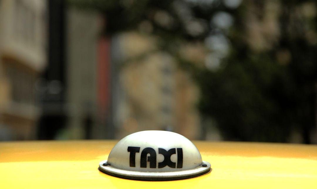 Mujer venezolana dio a luz dentro de un taxi en Santa Marta