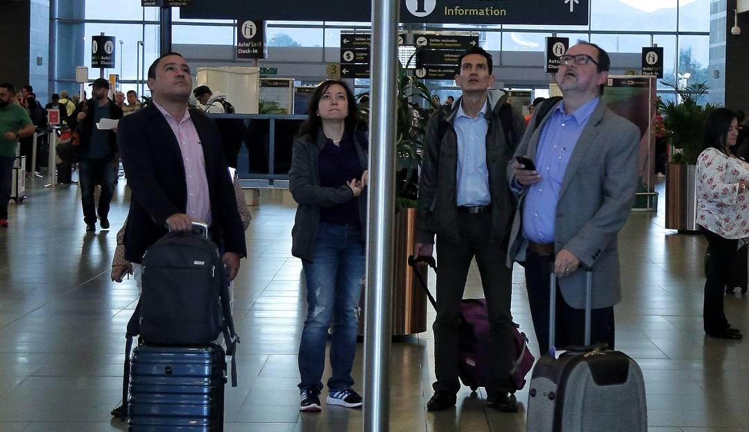 inundaciones Bogotá.: Por fuertes lluvias se inundó el Aeropuerto El Dorado
