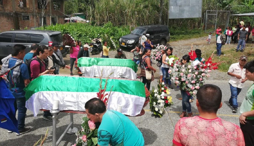 Asesinato indigenas Awa: En plena vía indígenas Awa velan sus muertos