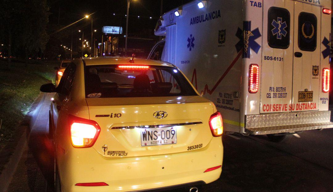 Investigan muerte de tres personas halladas dentro de un taxi