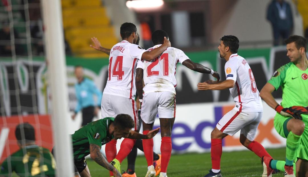luis muriel sevilla: Luis Muriel y Sevilla se clasificaron a octavos de final por Copa del Rey