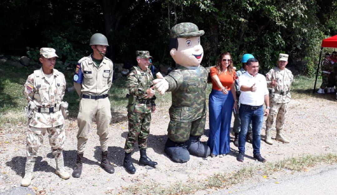 seguridad en vías del Tolima por temporada navideña.: Ejercito refuerza seguridad en vías del Tolima por temporada navideña