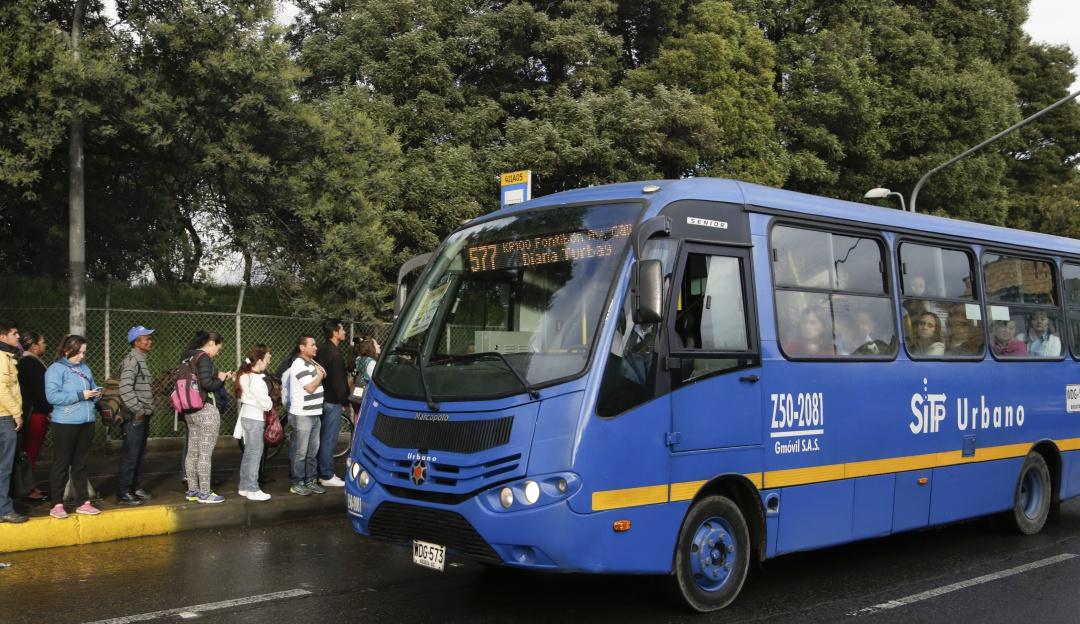Carril preferencial Bogotá Transmilenio: Criticas al carril preferencial para SITP en Bogotá
