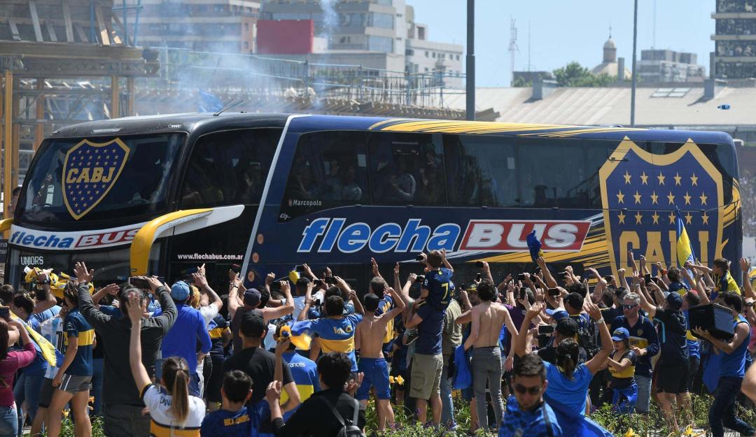 boca juniors bus: Liberan a detenido por atacar al bus de Boca Juniors el día de la final