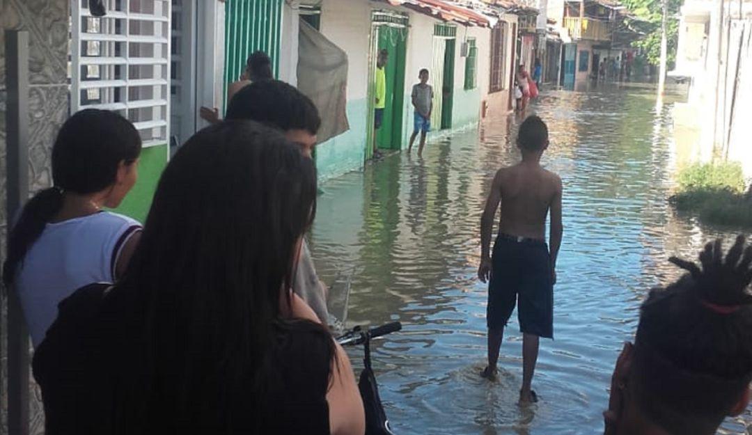 Inundaciones Cartago: Cinco barrios inundados por creciente del río La Vieja en Cartago Valle
