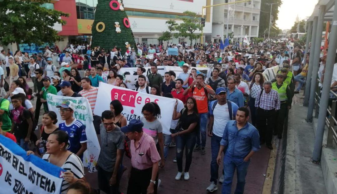 Estudiantes universitarios de Cartagena marcharon por novena vez: Estudiantes universitarios de Cartagena marcharon por novena vez