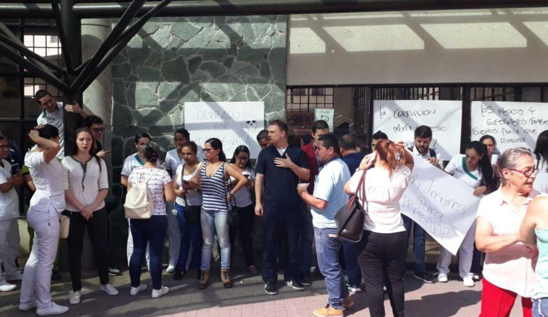Algunos trabajadores del San Jorge protestaron exigiendo su pago