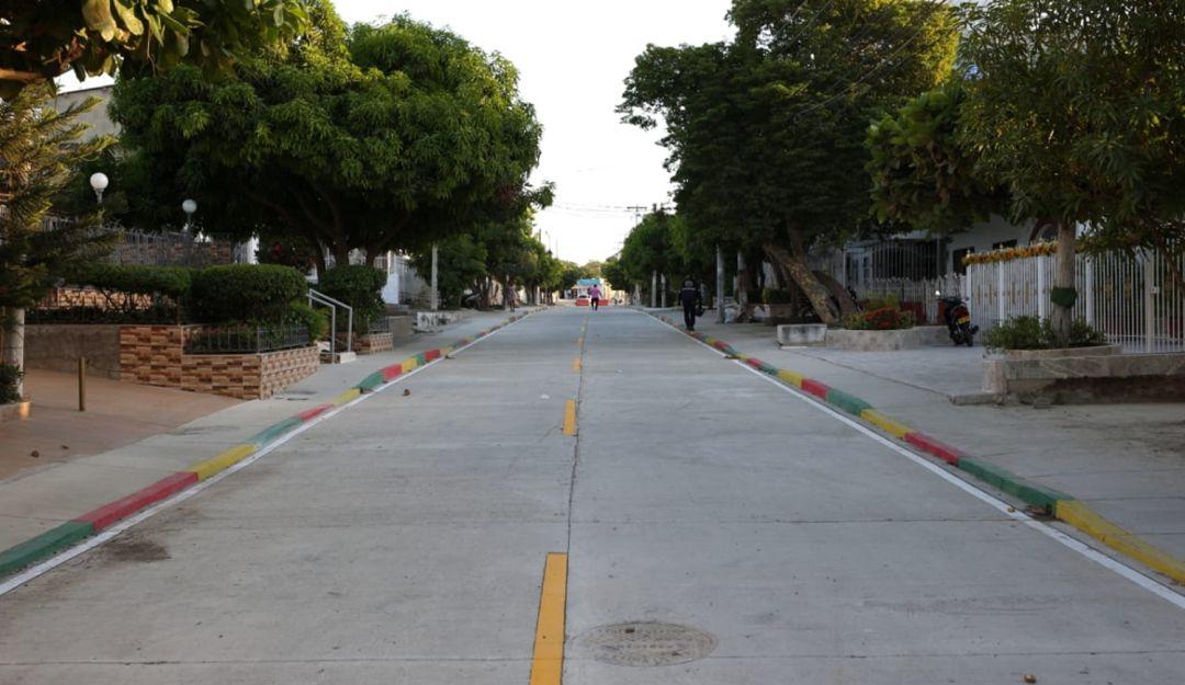 Entregan calle HL Román del barrio Paraguay de Cartagena: Entregan calle HL Román del barrio Paraguay de Cartagena
