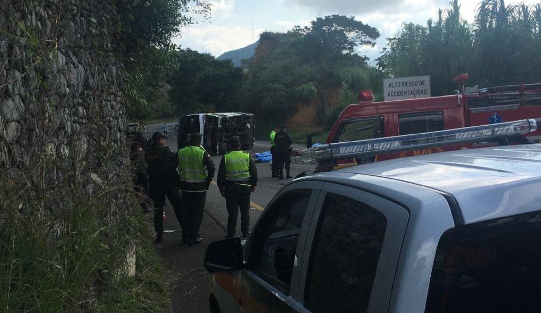 Nueve personas murieron en accidente de autobús en Colombia