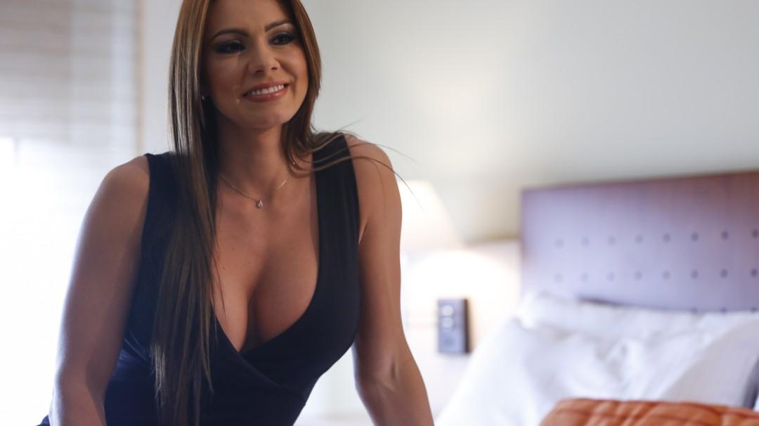 Esperanza Gómez sorprende a sus seguidores con sensual fotografía