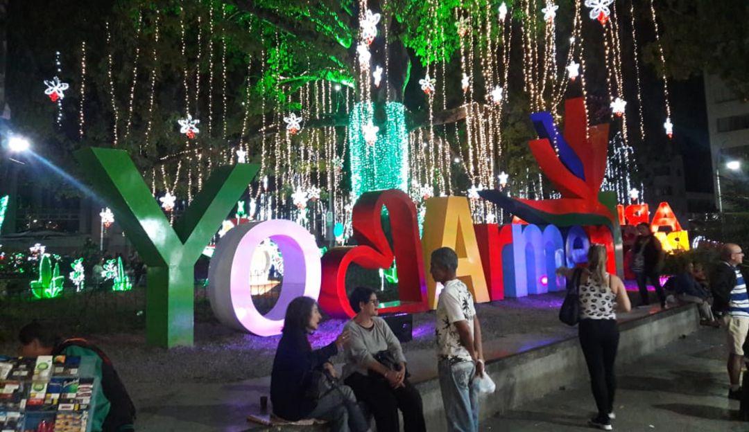 Parque Sucre de Armenia, único lugar público iluminado en navidad