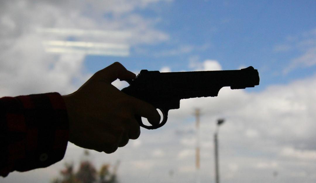 Robo en Tolima: Hombres armados robaron pasajeros e incineran vehículo en el sur del Tolima