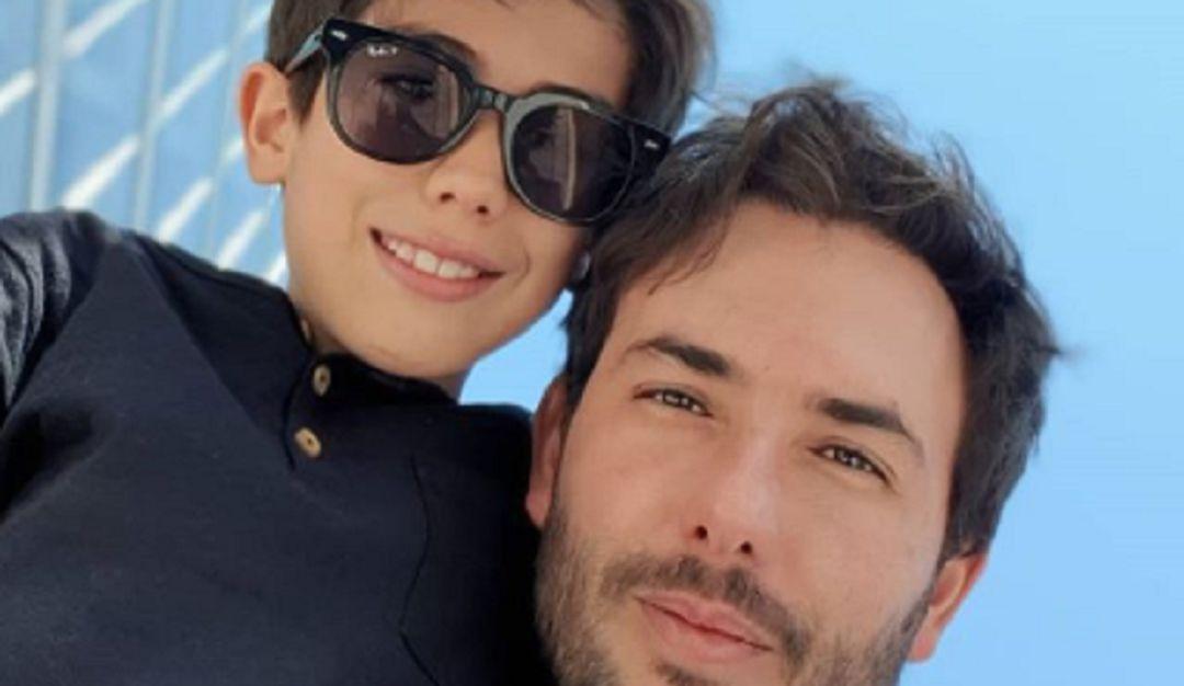 Criticas a Sebastián Martínez.: Critican a Sebastián Martínez por dejar conducir a su hijo de 8 años