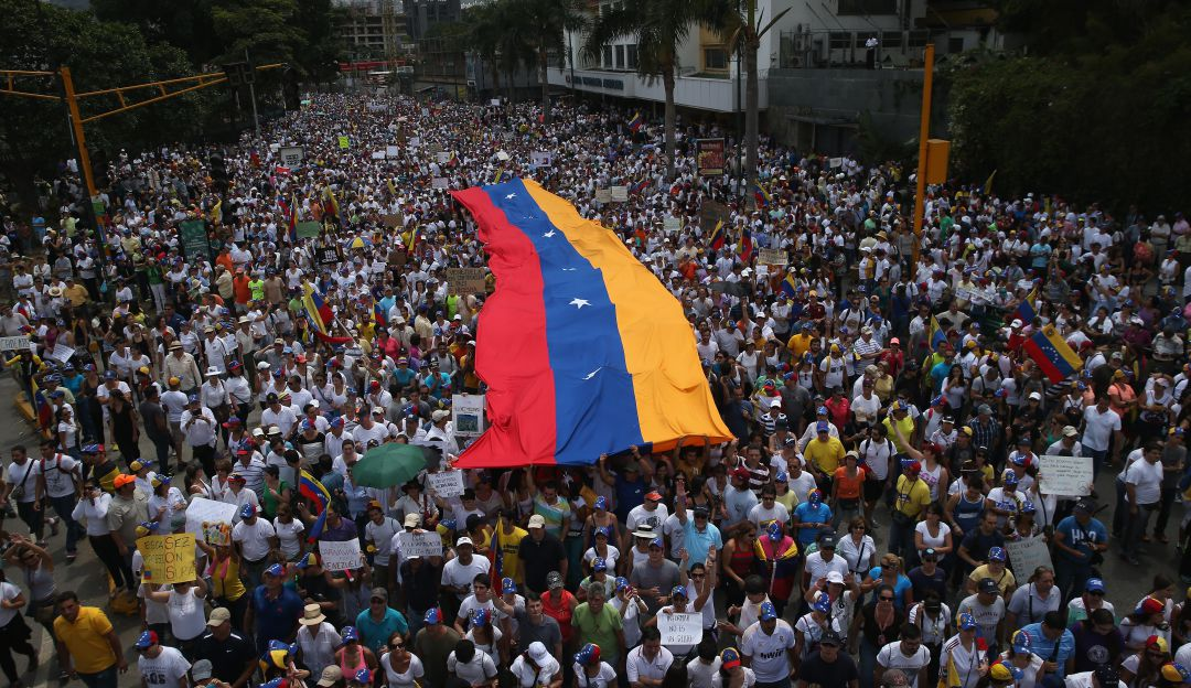 Ecuador no enviará delegación oficial a Venezuela para posesión de Maduro