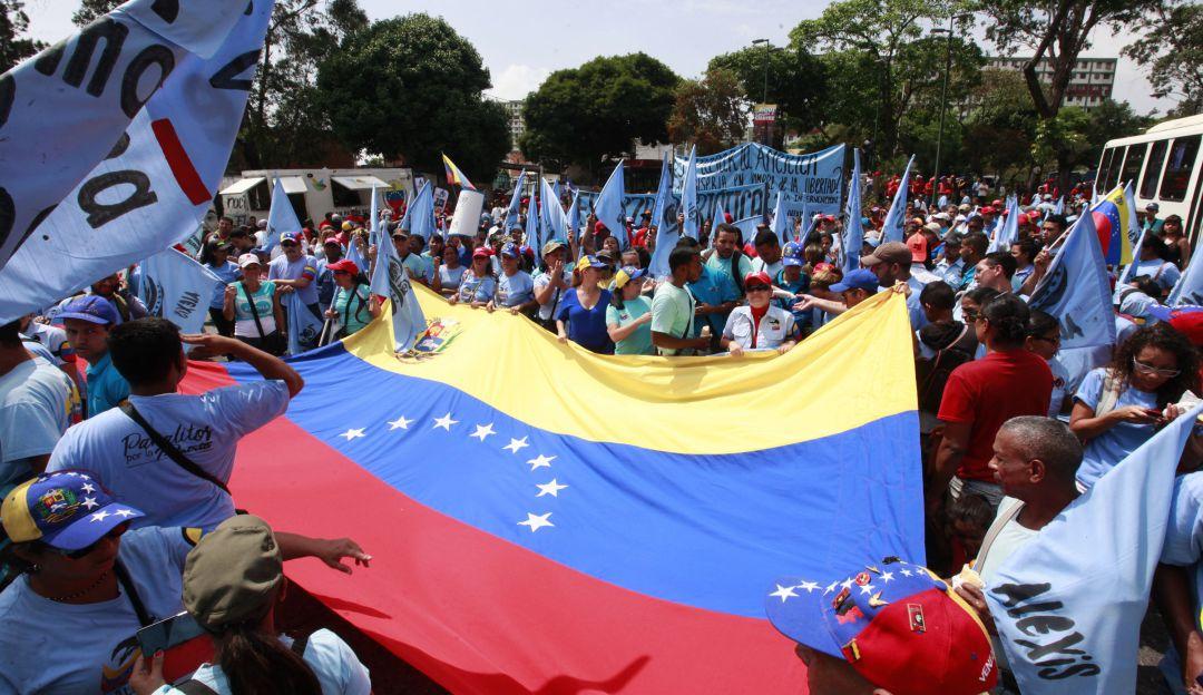 Parlamento dice que buscará ejecutar políticamente transición en Venezuela