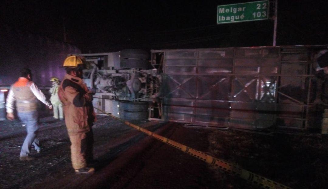 Volcamiento de bus en Fusagasugá deja un muerto y 36 heridos