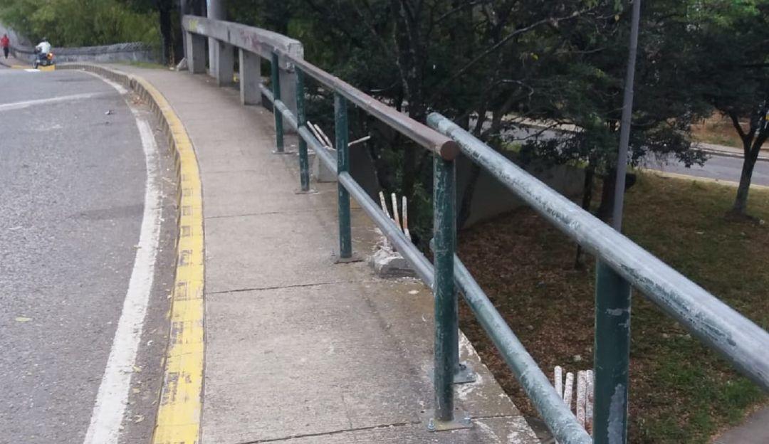Las barandas que hacían falta al puente Conucos, se las instalaron 7 meses: Le pusieron barandas al puente Conucos