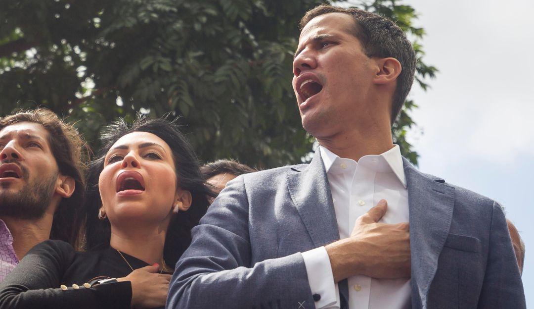 Detienen durante unos minutos a presidente del Parlamento venezolano
