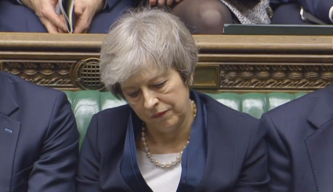 Brexit se agrava tras moción de censura a Theresa May