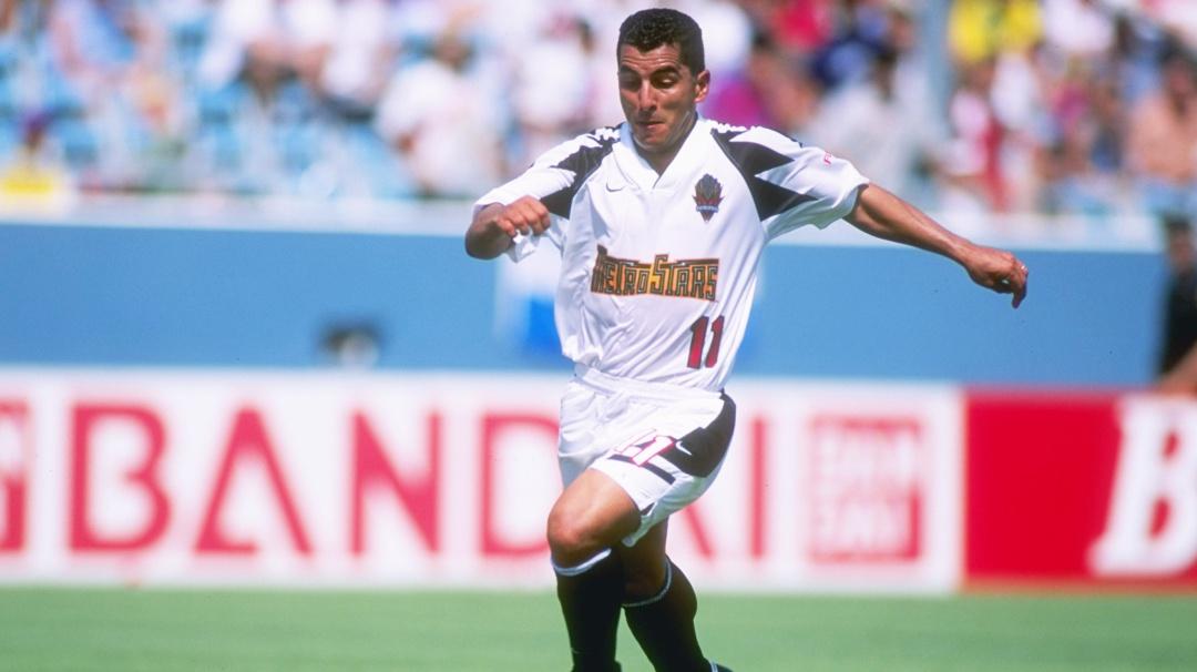 El goleador, Rubén Darío Hernández enseña cómo hacer goles