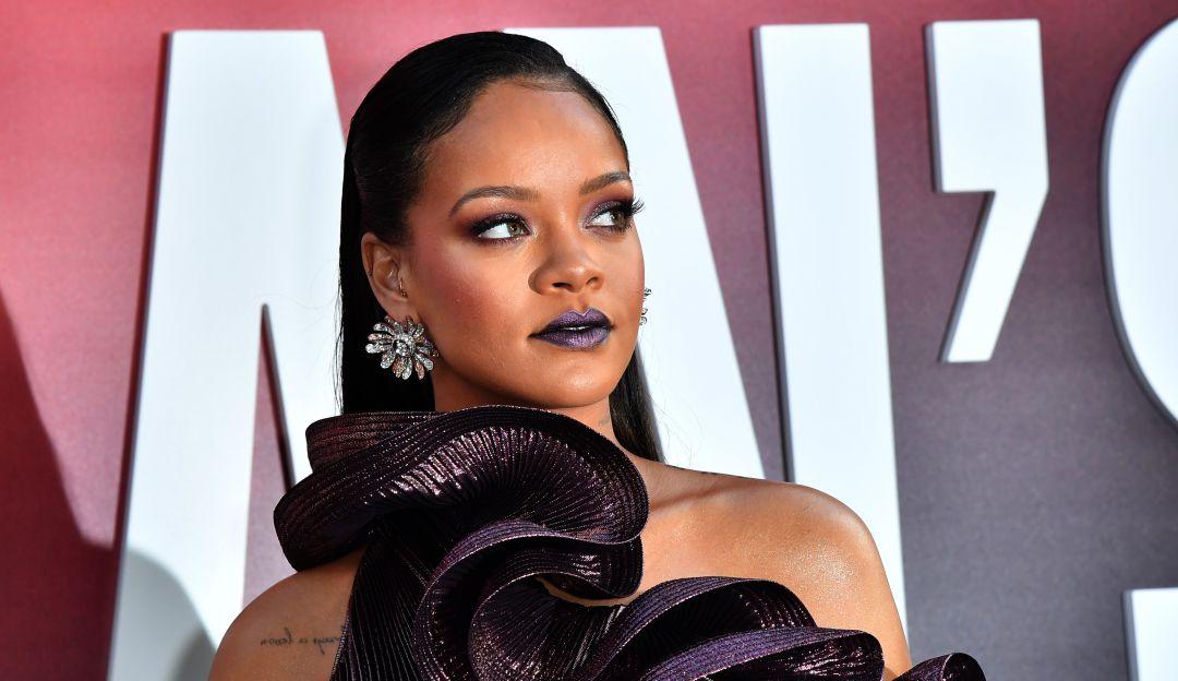 Rihanna: Rihanna demanda a su padre