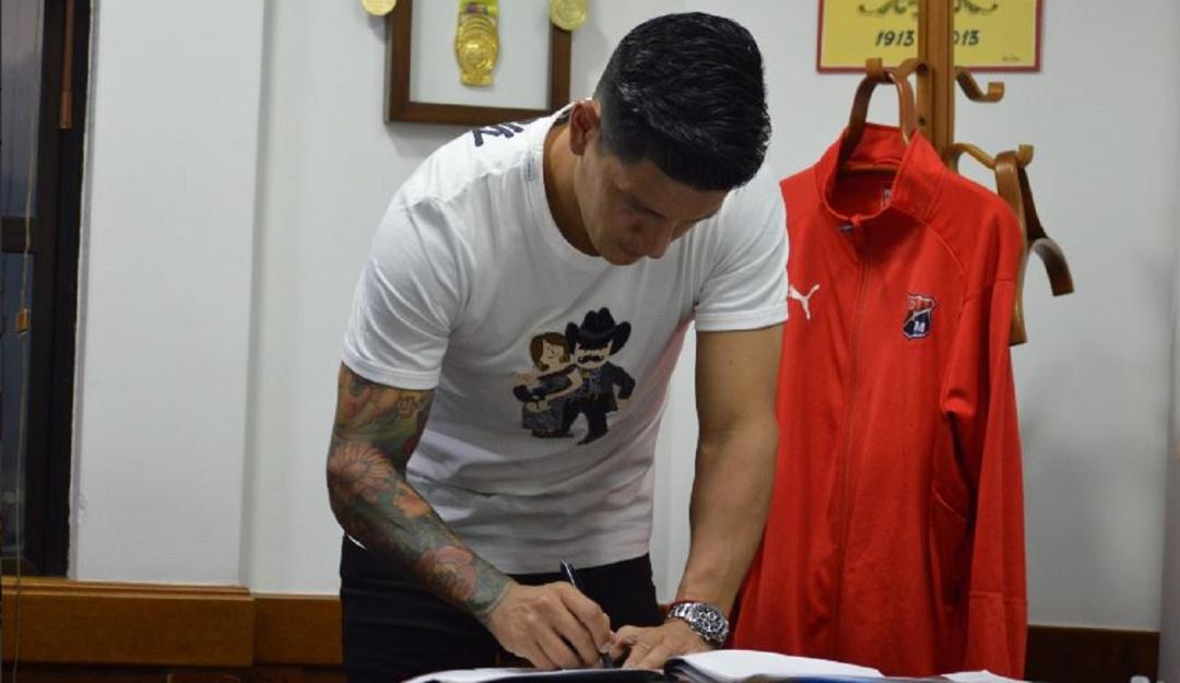 Germán Cano firmó su continuidad en el Medellín — Oficial
