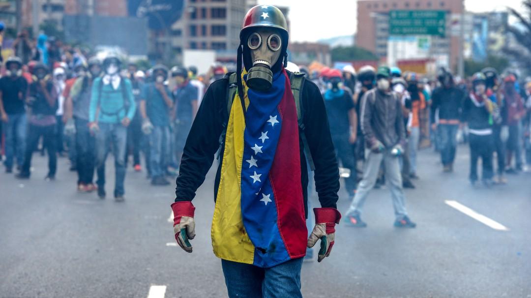 """Gobierno de Maduro: """"Venezuela necesita que militares y civiles le apuesten a la democracia"""""""