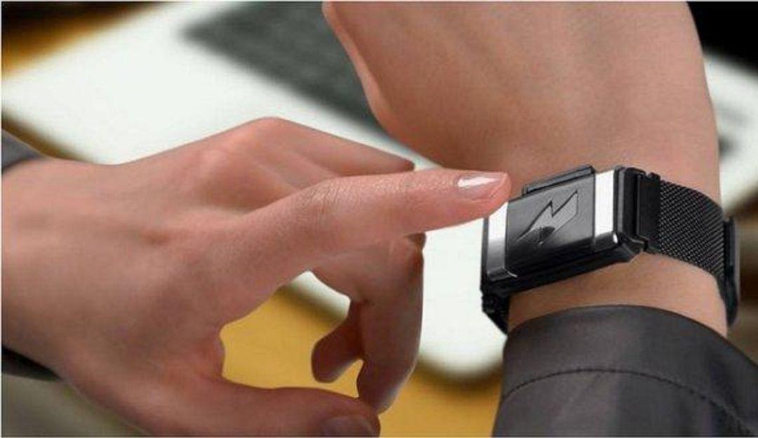 Esta pulsera te da una descarga eléctrica si rompes tu dieta: Llega la pulsera eléctrica para no romper la dieta; adiós gym