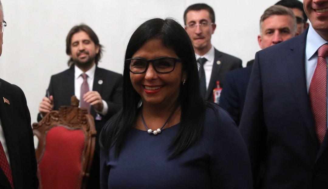 """Crisis Venezuela: VP venezolana dice que ayuda alimentaria de EE.UU. """"es cancerígena"""""""