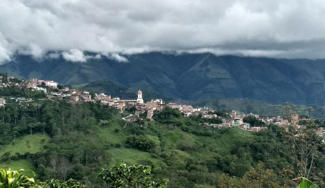 CAMPESINOS DESPLAZADOS ITUANGO AMENAZAS ERRADICACIÓN FORZADA: Más 4 mil Campesinos se desplazan por amenazas en Santa Rita en Ituango