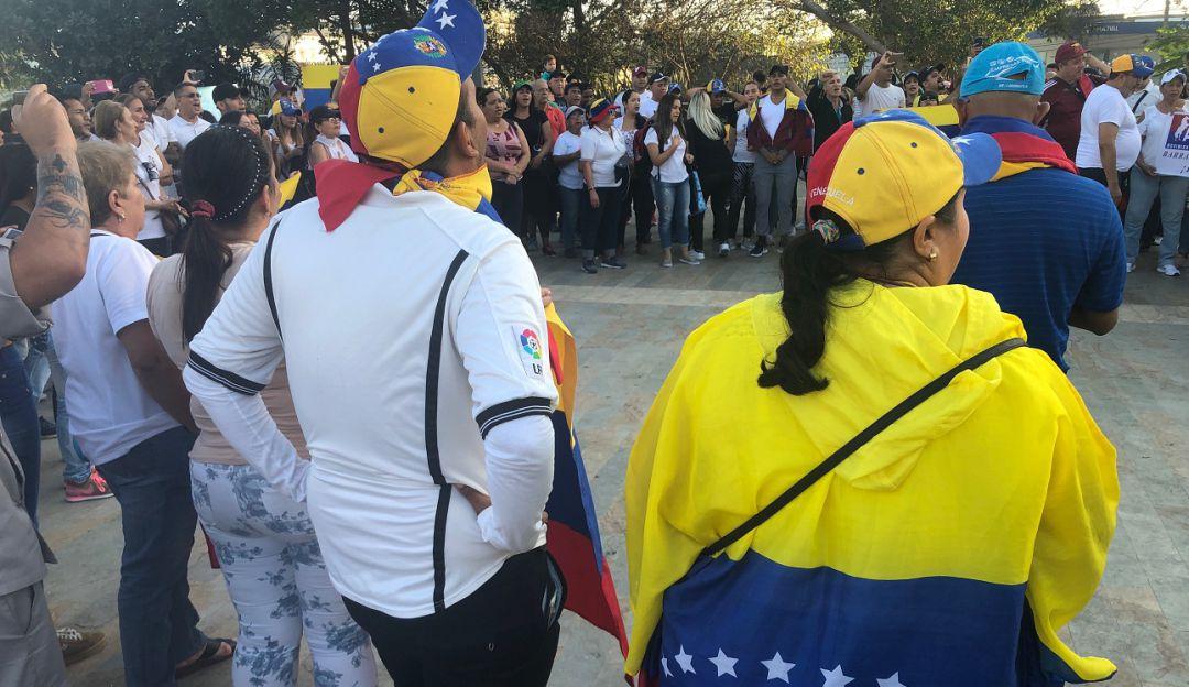 Contratación de venezolanos: Recogen firmas para promover ley que limite la contratación de venezolanos