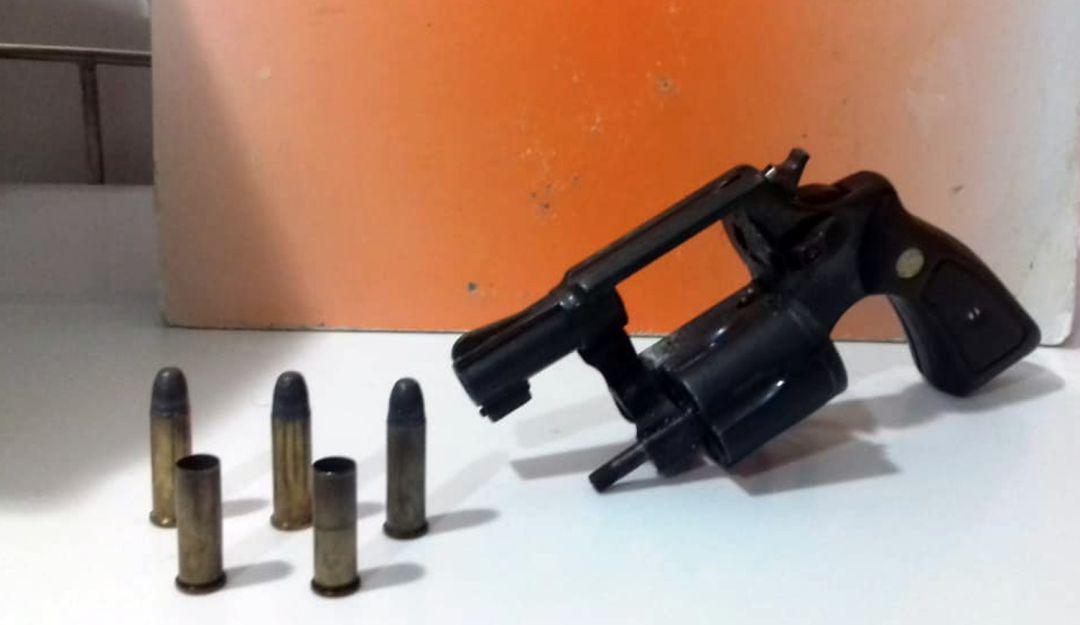 """Porte ilegal de armas de fuego capturados Cartagena: En Cartagena detienen a """"El Rafa"""" y """"El Yamir"""" portando armas de fuego"""