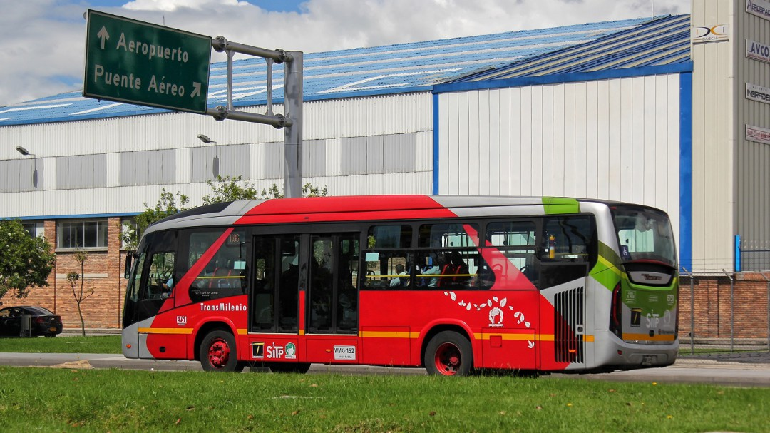 Así se cayó la licitación de Petro para nuevos buses de Transmilenio